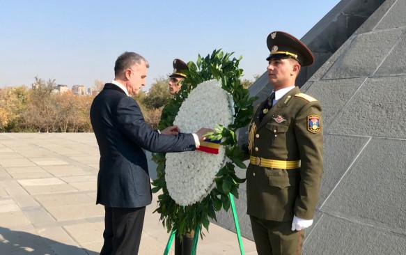Ռումինիայի արքայազն Ռադուն հարգանքի տուրք մատուցեց Հայոց ցեղասպանության զոհերի հիշատակին