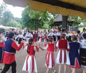 «Հայկական բակ» փառատոնը դառնում է Կլուժի հայերի այցեքարտը