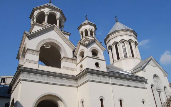 În Bisericile Eparhiei Armene din România se vor oficia slujbe de pomenire în memoria victimelor de la devastatorul cutremur din 1988