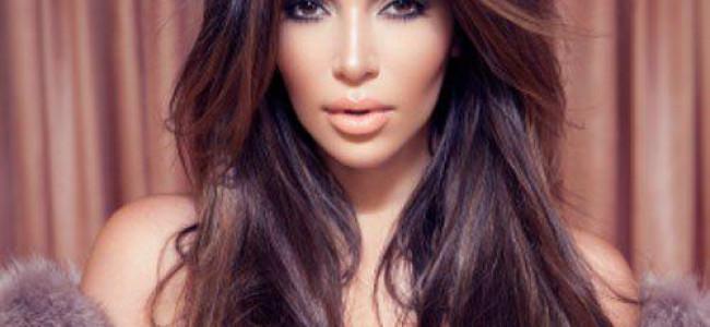 Kim Kardashian a pozat pentru o revista frantuzeasca