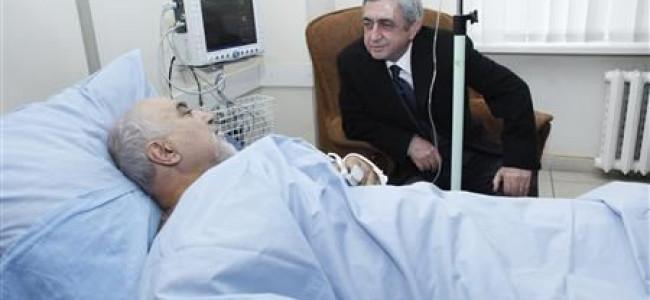Alegerile prezidențiale nu se  amână.  Paruyr Hayrikyan s-a recuperat după atentat