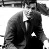 A murit actorul Mike Connors (Krikor Ohanian) cunoscut din serialul Mannix. Actorul avea  91 de ani