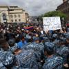 AGERPRES / Zeci de persoane au fost arestate la Erevan în cea de-a zecea zi de proteste