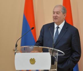 ARMENIA / Președintele Armen Sarkissian a trimis un mesaj de felicitare Președintelui României, Klaus Iohannis, cu ocazia Zilei Naționale