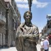 ARMENIA / În orașul Gyumri a fost dezvelită statuia lui Kirk Kerkorian