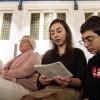 SOLIDARITATE / O biserică din Olanda ţine slujbe non-stop de aproape o lună pentru a proteja o familie de refugiaţi din Armenia