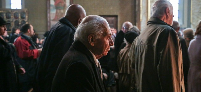 """""""În viață, când lucrezi trebuie să pui suflet în toate. """" – Interviu cu Jirayr Baronian, administrator al cimitirului armenesc din București"""