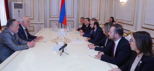 ARMENIA / Președintele Adunării Naționale i-a primit pe  reprezentanții   comunității armene din România