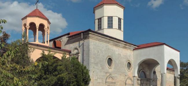 CRIMEEA / Mănăstirea armeană Surp Nikoghaïos (Sfântul Nicolae) din Ievpatoria  a fost redată armenilor