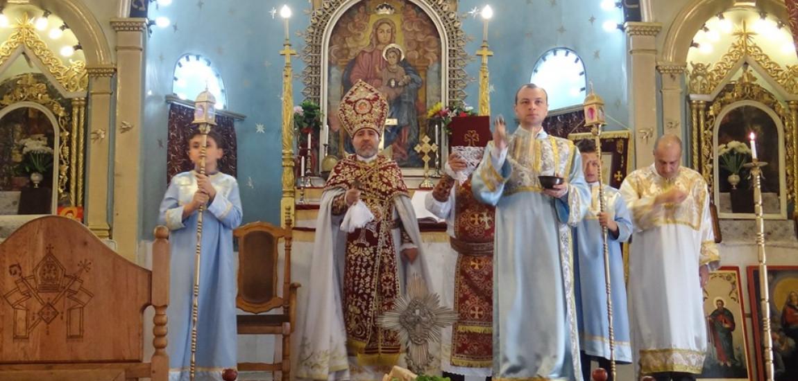 CREDINȚĂ / ÎNĂLȚAREA SFINTEI CRUCI a fost serbată cu mare fast la biserica SF. CRUCE din Burgas (Bulgaria)