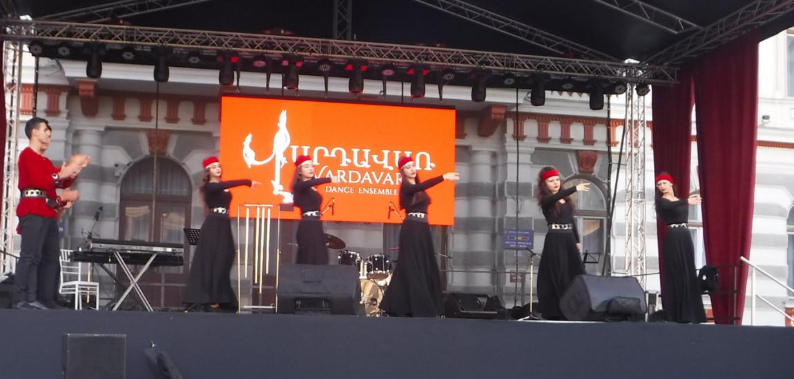 DESTEPTAREA.RO / HAYASTAN, trei zile de festival armenesc