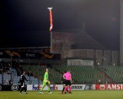 EUROPA LEAGUE / Meciul dintre Dudelange și Qarabag a fost întrerupt după ce o dronă, care purta steagul Karabagh-ului, a pătruns în stadion
