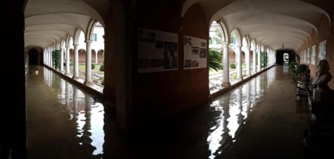 VENEȚIA / Creșterea apelor  a provocat daune pe insula San Lazzaro Degli Armeni