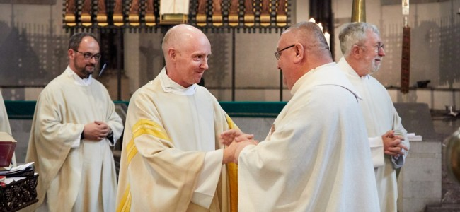 GHERLA / Slujba duminicală de la Catedrala Armeană a fost oficiată  de un preot din Germania