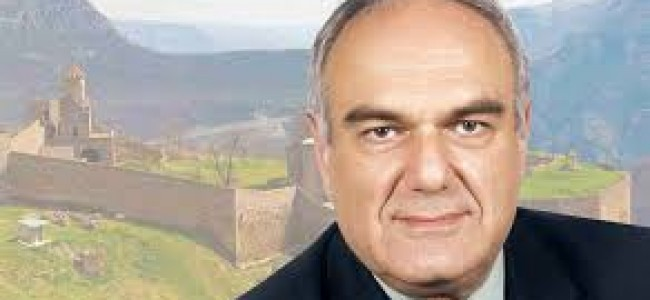 CALENDAR / Pe 9 aprilie 1952 s-a născut  Levon Chookaszian, profesor de istoria artei la Universitatea din Erevan