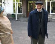 COVID-19 / Serioja Stepanyan (96 de ani) s-a vindecat de coronavirus la Erevan și a plecat, pe jos, acasă