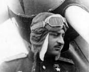 EROII NOȘTRI / Pilotul  Nelson Stepanyan (1913-1944) învingător în 239 de misiuni aeriene împotriva germanilor