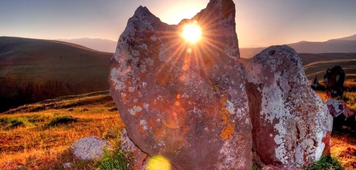 ARMENIA / Situl megalitic din Karahunge, lângă Sisian, trebuie protejat și pus în valoare