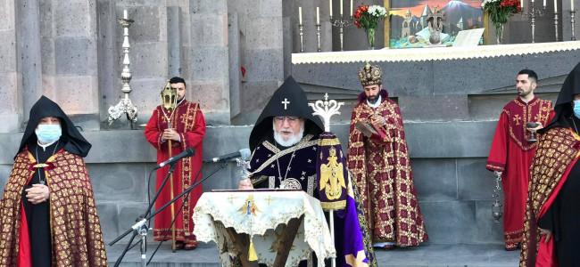 ARMENIA / Requiem, pentru victimele din Beirut, la Sfântul Ecimiadzin și în toate bisericile armenești ale planetei