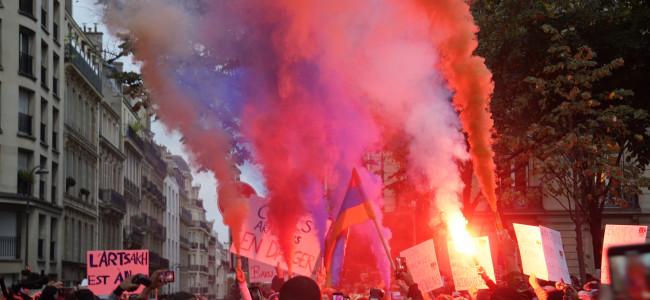 Cerul Parisului în culorile Arțakhului