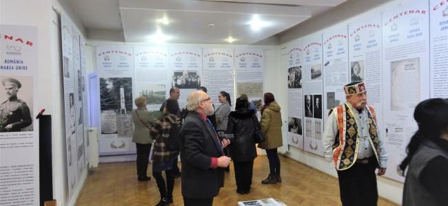 VIDEO / Expoziţie dedicată centenarelor Armeniei şi României, la MET Cluj
