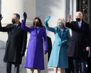 """SUA / Jill Biden a purtat o ținută """"Casa Markarian"""" personalizată, la investirea președintelui"""