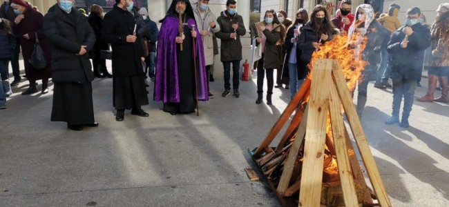 CREDINȚĂ / La Catedrala Armeană din București s-a sărbătorit Întâmpinarea Domnului