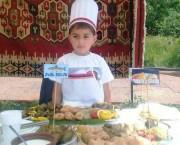 """GASTRONOMIE : Tânărul Mher Harutiunyan (6 ani) câștigător al celui de-al 10-lea Festival Internațional de """"Dolma"""""""