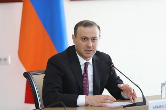 EREVAN   Armen Grigoryan, ministrul interimar de externe a primit șefii misiunilor diplomatice acreditate în Armenia