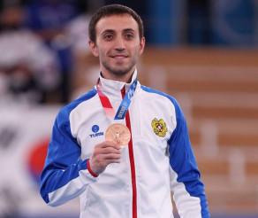TOKYO 2020   Gimnastul Artur Davtyan, la proba de sărituri,  dă Armeniei prima medalie olimpică, bronz