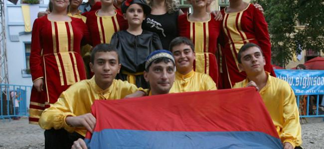Voi o să făuriți viitorul armenilor al comunității armene din România