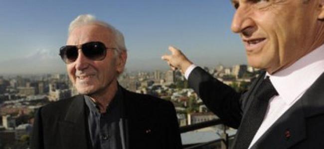 Aznavour  mulţumeşte Franţei