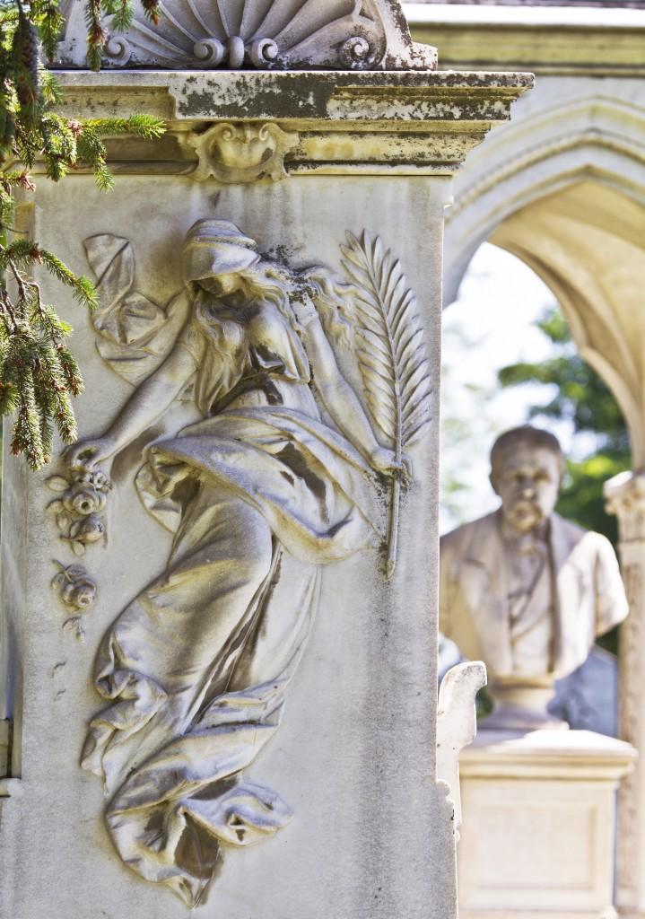 Cimitirul-armean-Eternitatea-din-Botoșani.-Mormântul-Cristea-Goilav