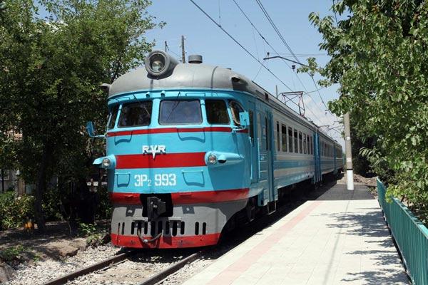 armenia-georgia-railroad-train