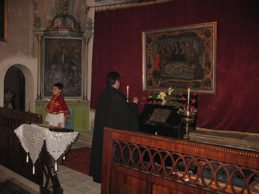 6. Slujba de Vinerea Mare la biserica Sfanta Maria din Botosani