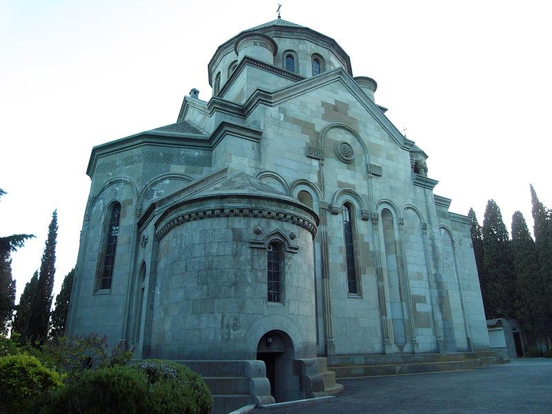 800px-Armenian_Church_Yalta_Crimea
