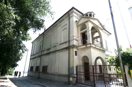 turisti_Biserica_Armeneasca