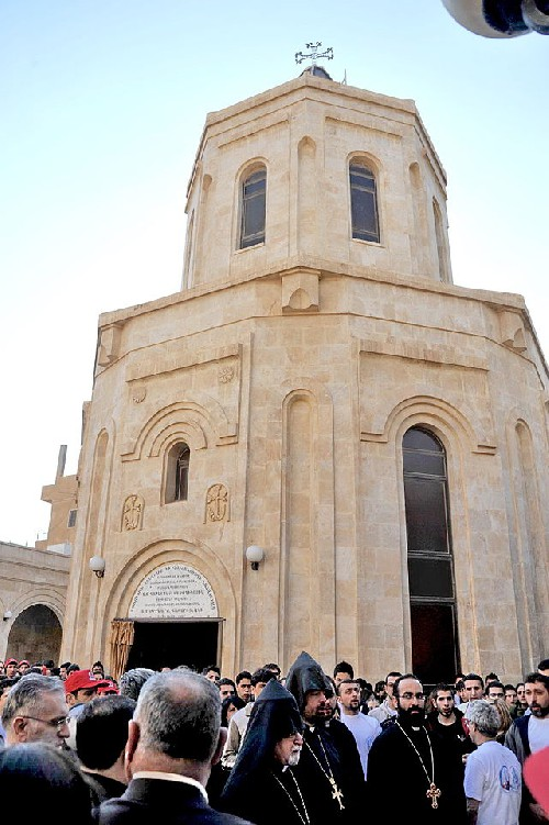 LiveLeak-dot-com-e07_1411375906-Armenian_Genocide_Memorial_in_Der_Zor_Sy_1411376115.jpg.resized