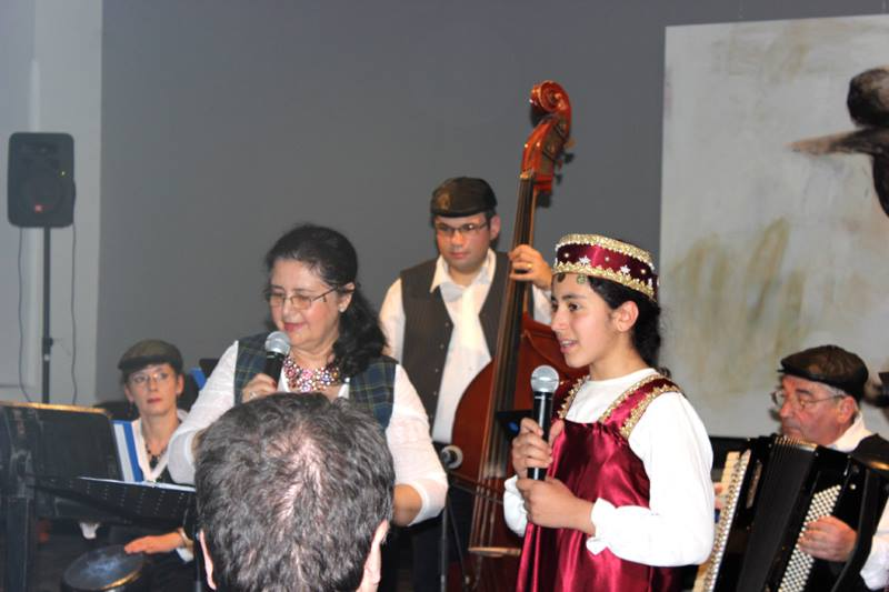 Formatia klezmer si Kamilla Kasabian