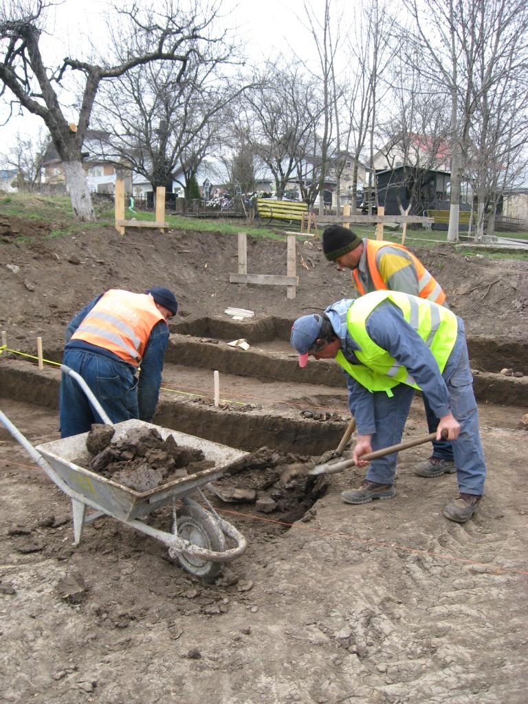Morminte decopertate în vechiul cimitir armenesc al Bisericii Sf. Simion (6)