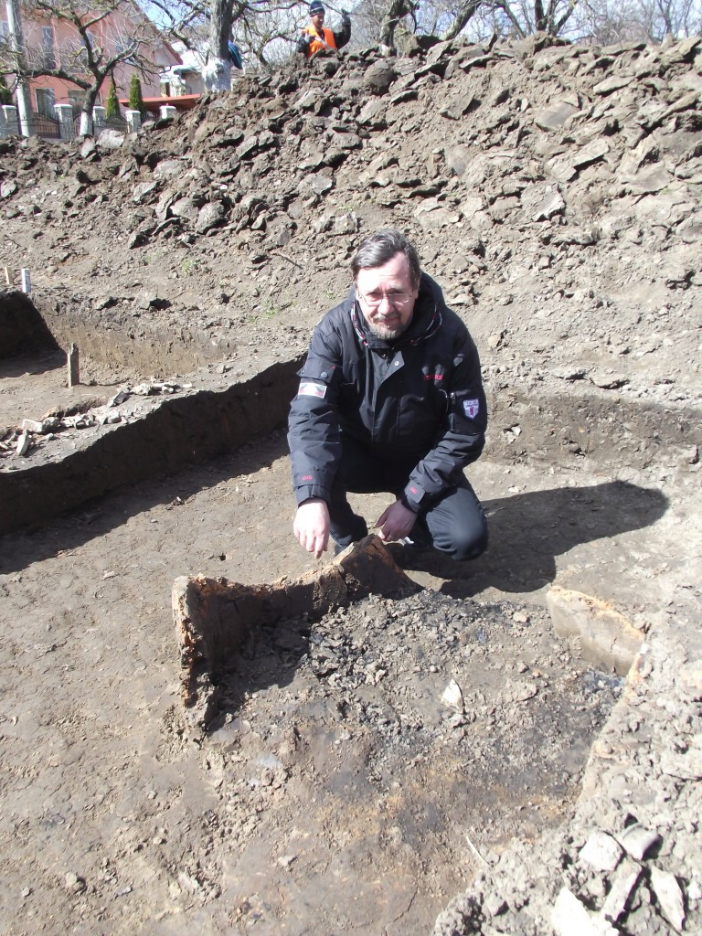 Noi descoperiri arheologice în vechiul cimitir armenesc al Bisericii Sf. Simion (3)