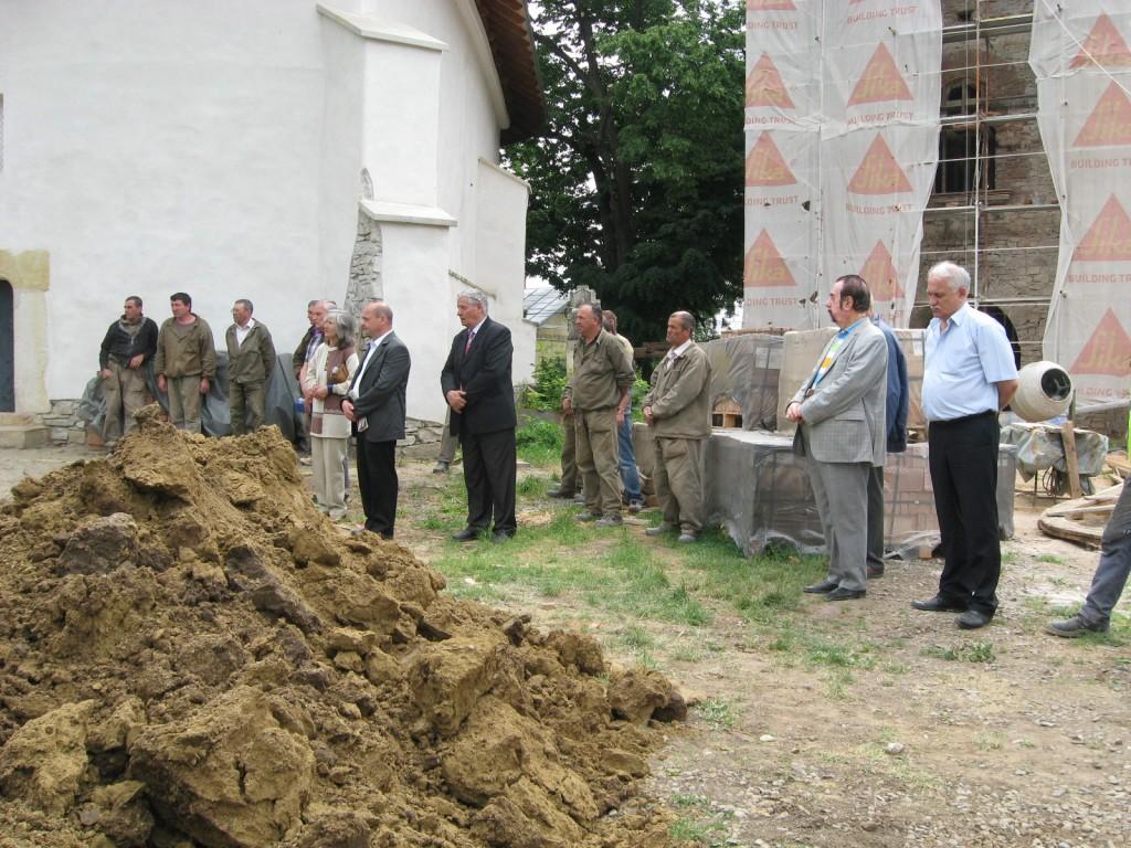 Osemintele dezgropate în cimitirul armenesc Sf. Simion au fost reînhumate (5)
