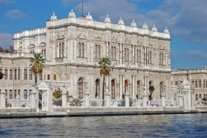 palatul-dolmabahce-din-istanbul_scva
