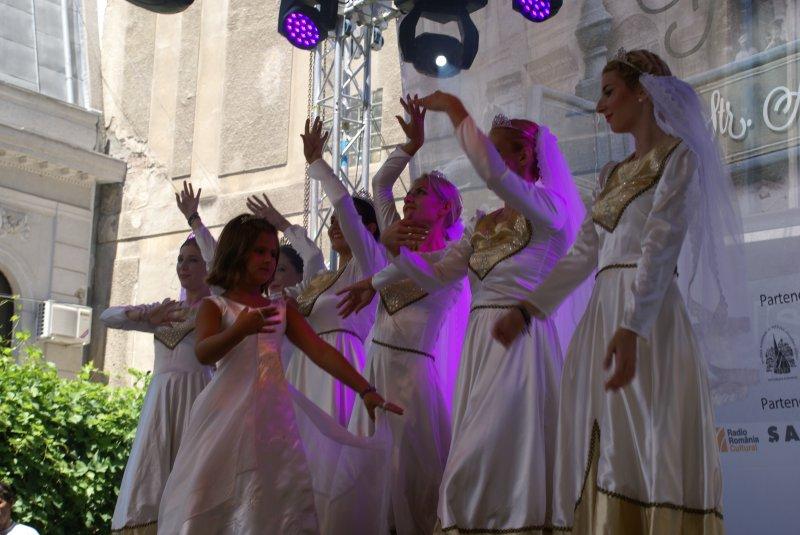 Dansul mireselor