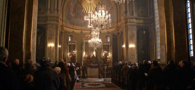 Slujba de Crăciun la Catedrala Armeană din București ( duminică 6 ianuarie 2013)