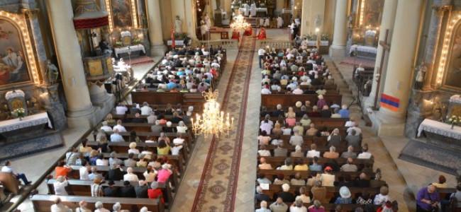 GHERLA / Tradiţionala sărbătoare anuală a armenilor catolici ( sâmbătă 6 iulie)