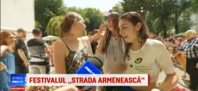 PROTV /    Bătaie cu apă la Festivalul…