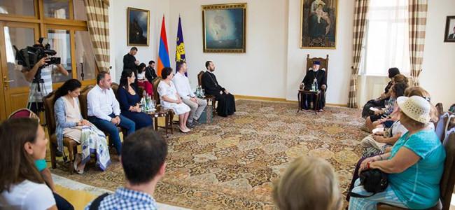 VIDEO / Primire la S.S. Catolicosul Karekin II a pelerinilor armeni din România