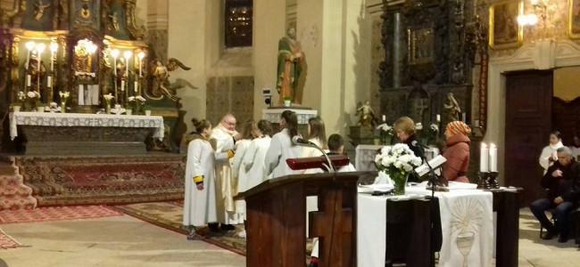 CREDINȚĂ / Paştele catolic sărbătorit de armenii gherleni