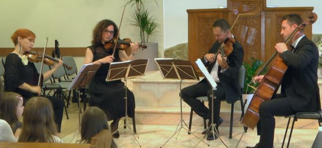 """GHERLA / Cvartetul """"FOURever"""" din Satu Mare va concerta în Catedrala Armenească"""
